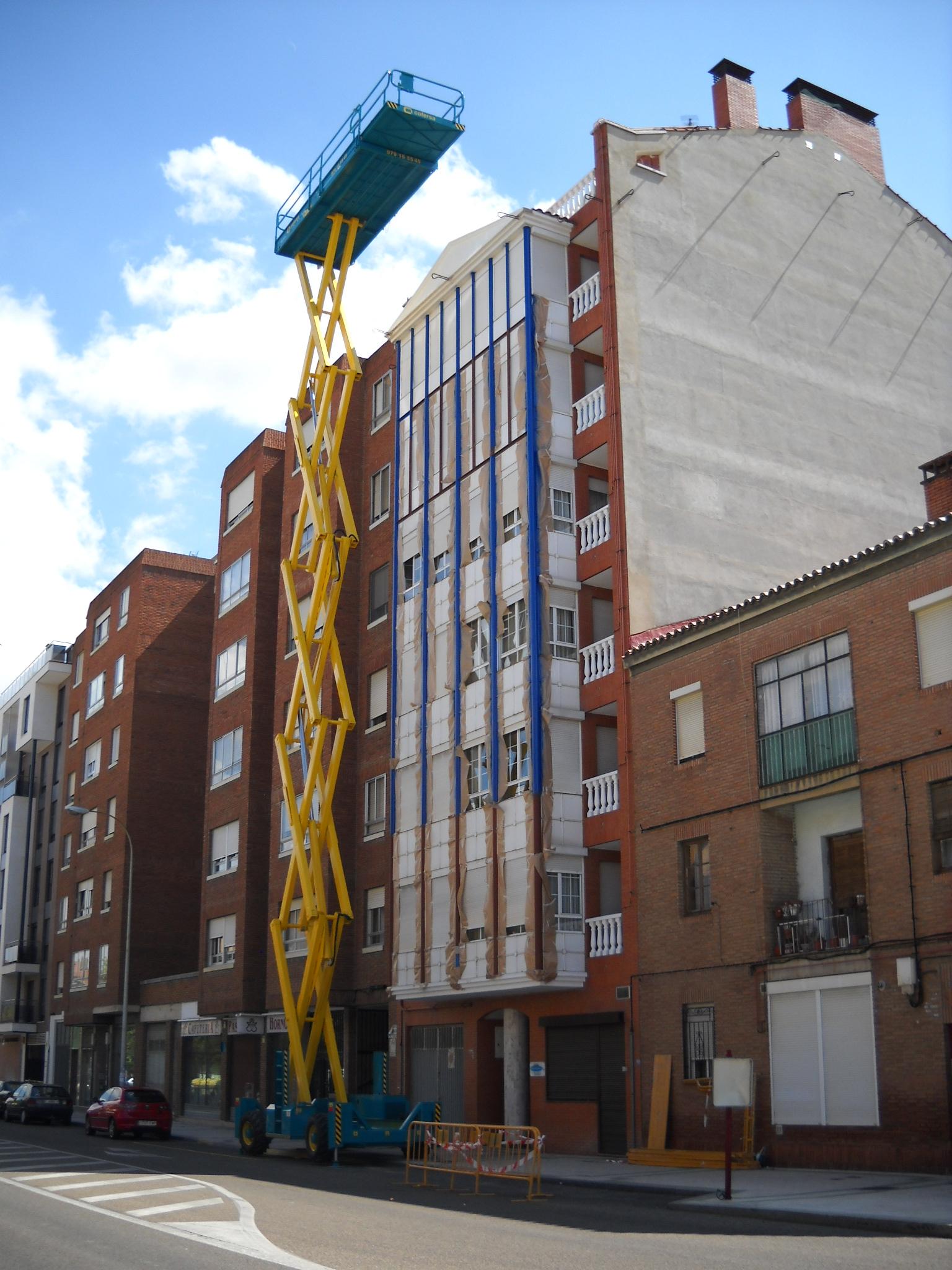 Plataforma elevadora de tijera 25 mt en Palencia